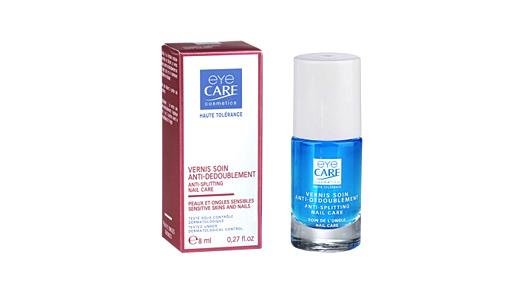 La société EYE CARE propose également une gamme complète haute tolérance pour prévenir, réparer et fortifier les ongles.